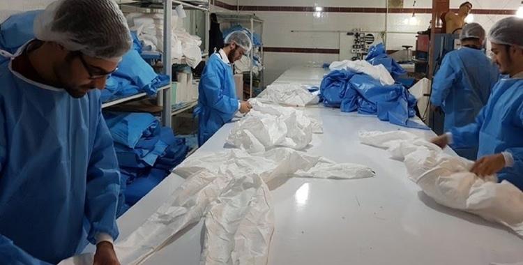 تامین پارچه مورد نیاز تولید لباسهای پزشکی و ماسک