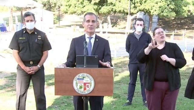 روش جالب شهردار لس آنجلس با مهمانی های کرونایی