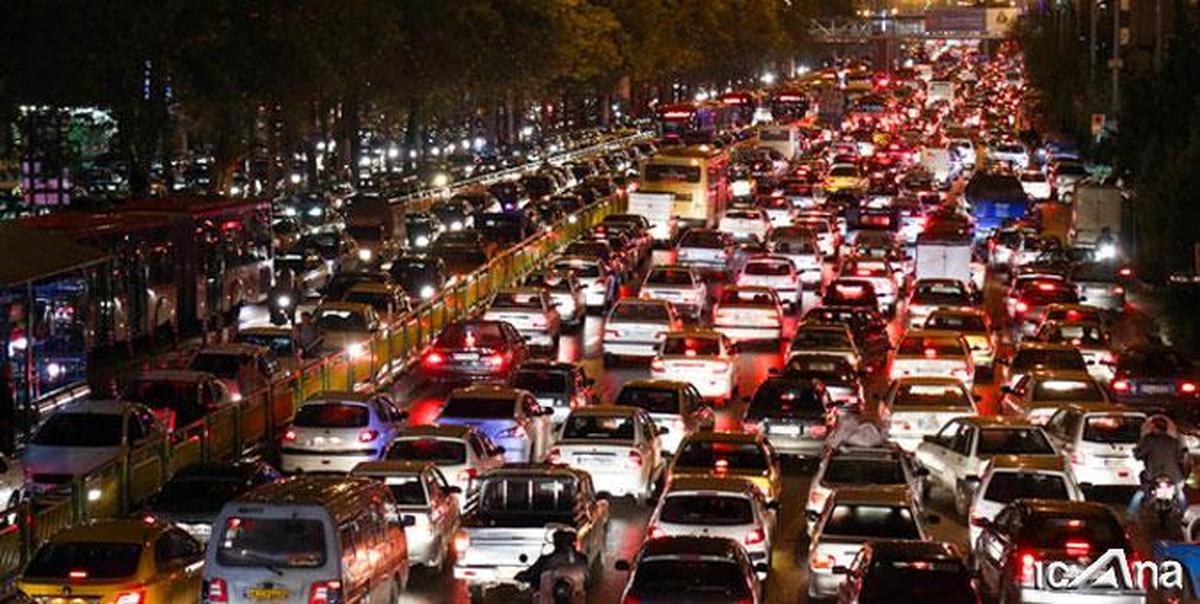 بار ترافیکی از جنوب به شمال محور هراز نیمه سنگین است.