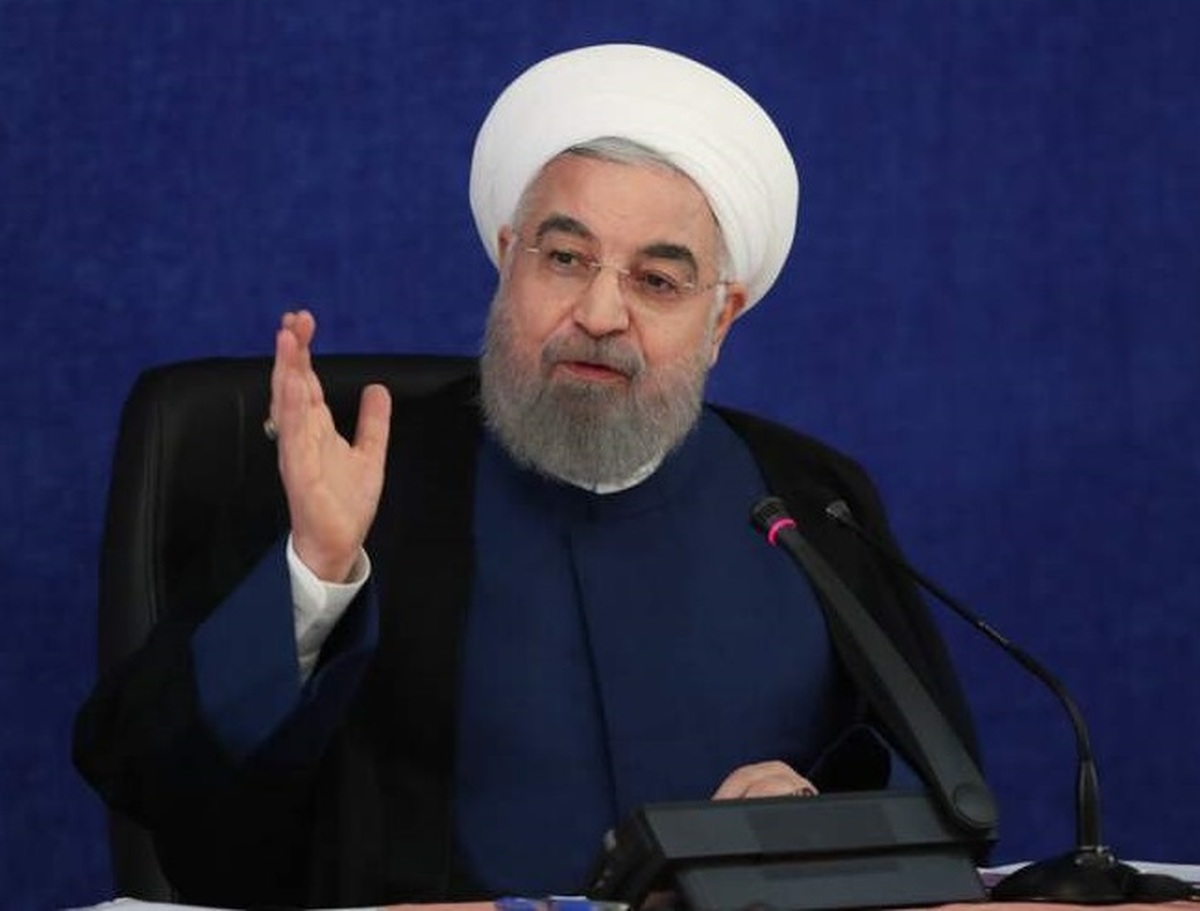 کنایه روحانی: در این انتخابات متوجه شدیم همه جای کشور خیلی خوب است؛ فقط اشکال در این دولت است که انشاءالله در این انتخابات درست میشود! | چطور در این مدت خانمها نبودند، فقط این روزها خیلی مورد احترام هستند؟ | با شعور مردم بازی نکنیم
