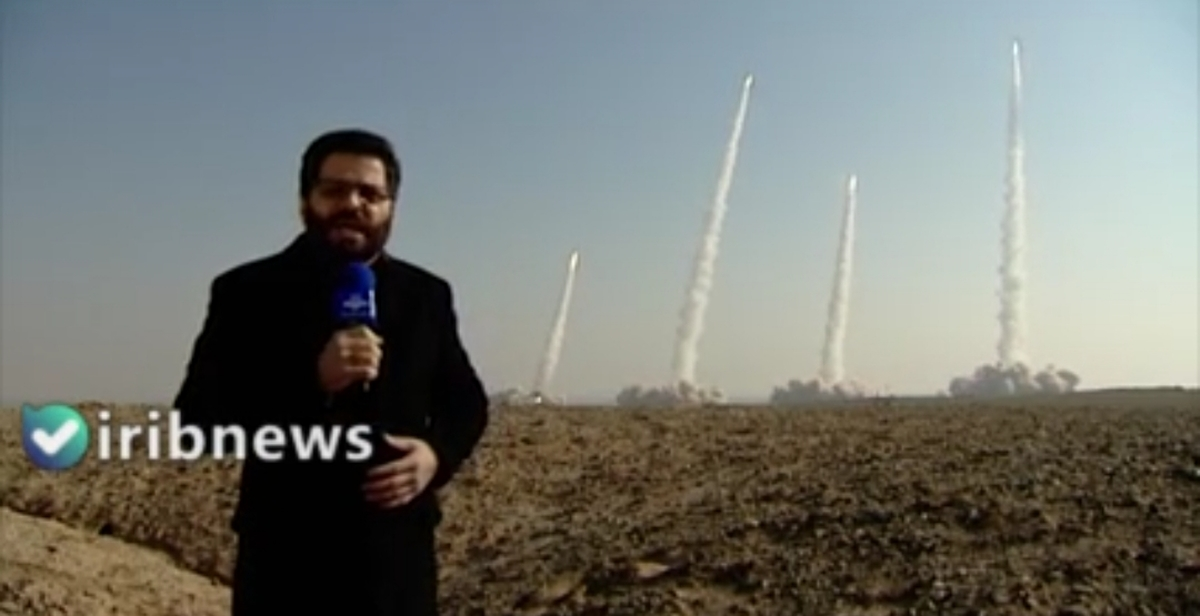 رزمایش سپاه صبح امروز با شلیک انبوه موشکهای بالستیک زمین به زمین + ویدئو