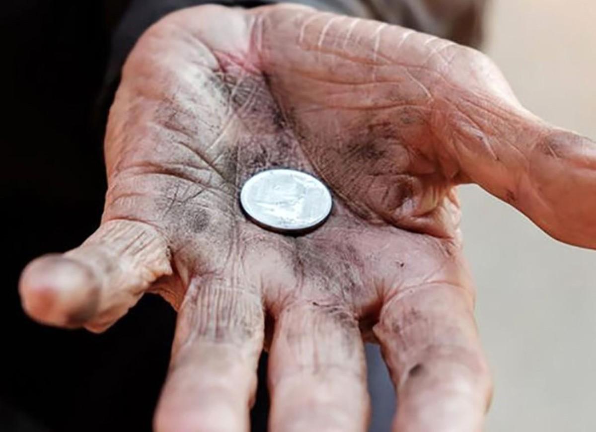 دلار سی هزارتومنی و فقیر شدن مردم