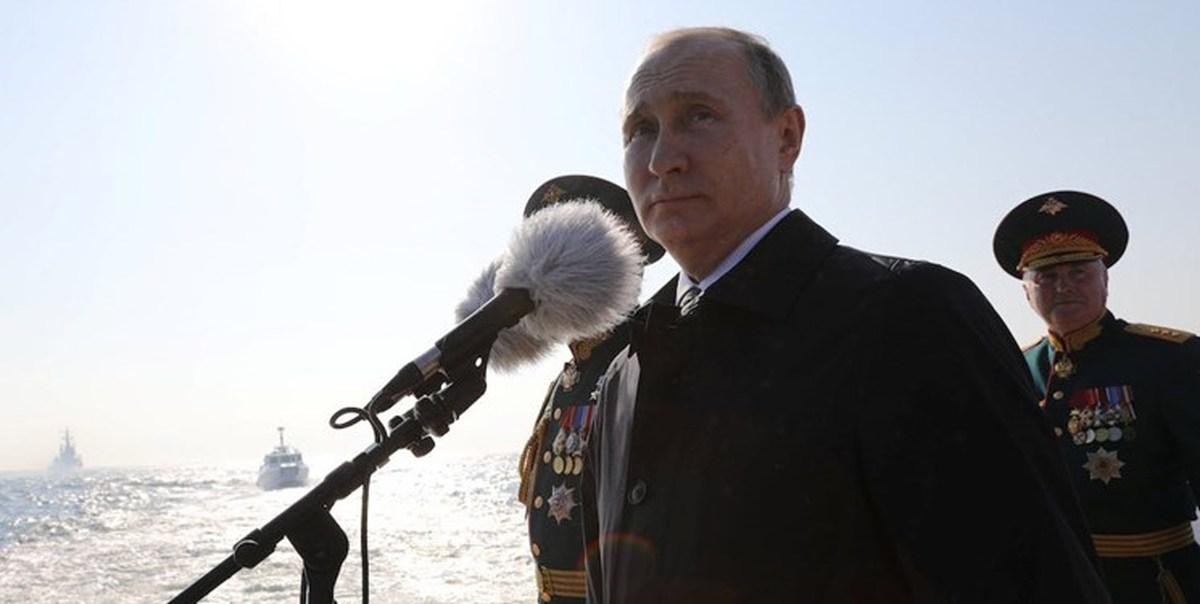 پوتین: در صورت تجاوز به خاک روسیه دندانهای دشمن را خرد میکنیم