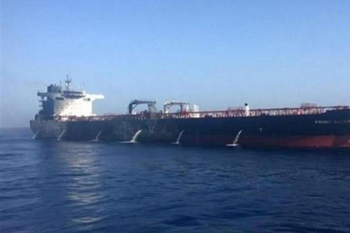 نفتکش حامل سوخت ایران به لبنان رویت شد