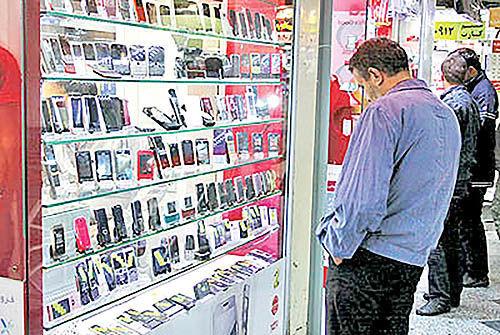 موبایل| واردات موبایل، یکسوم تقاضای بازار است