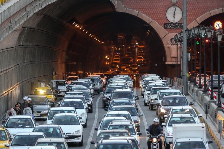 بازگشت ترافیک به معابر اصلی و بزرگراهی تهران