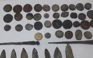 اشیای تاریخی در مغازه ابزارفروشی کشف شد