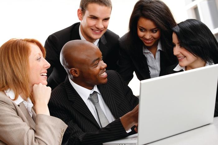 ۱۰ مهارت مهم ارتباطی که برای موفقیت شغلی نیاز دارید