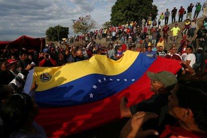 تشویق وزارت خارجه آمریکا به خروج شهروندانش از ونزوئلا