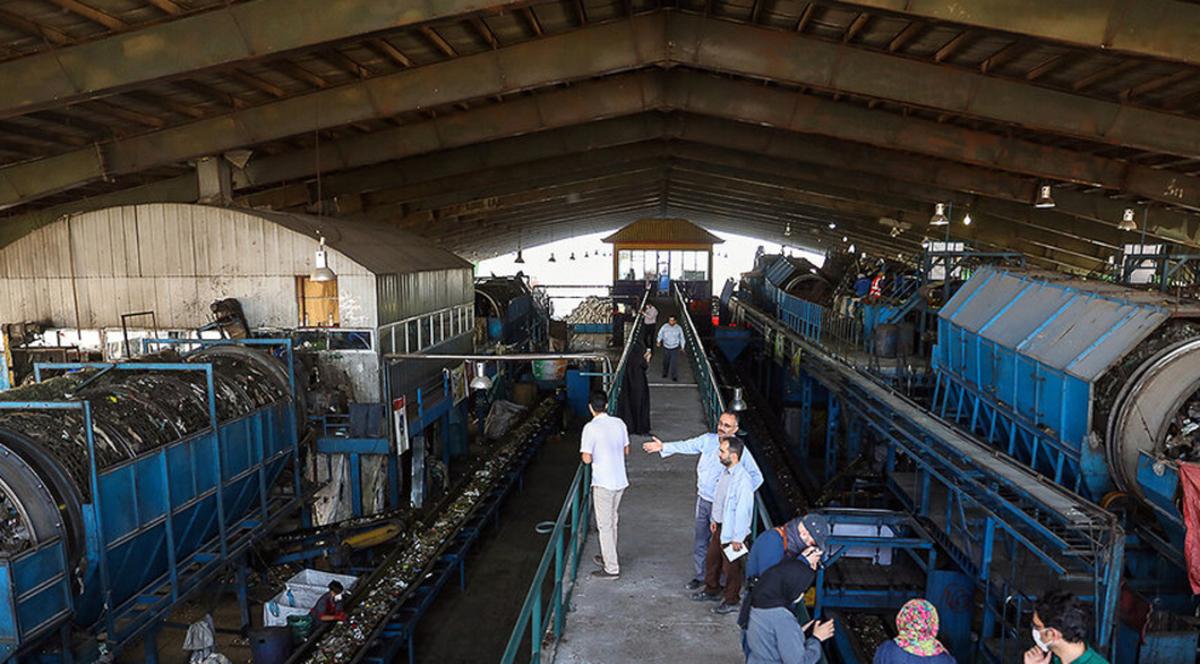 مراکز تفکیک زباله تهران و نقاهتگاه سگها