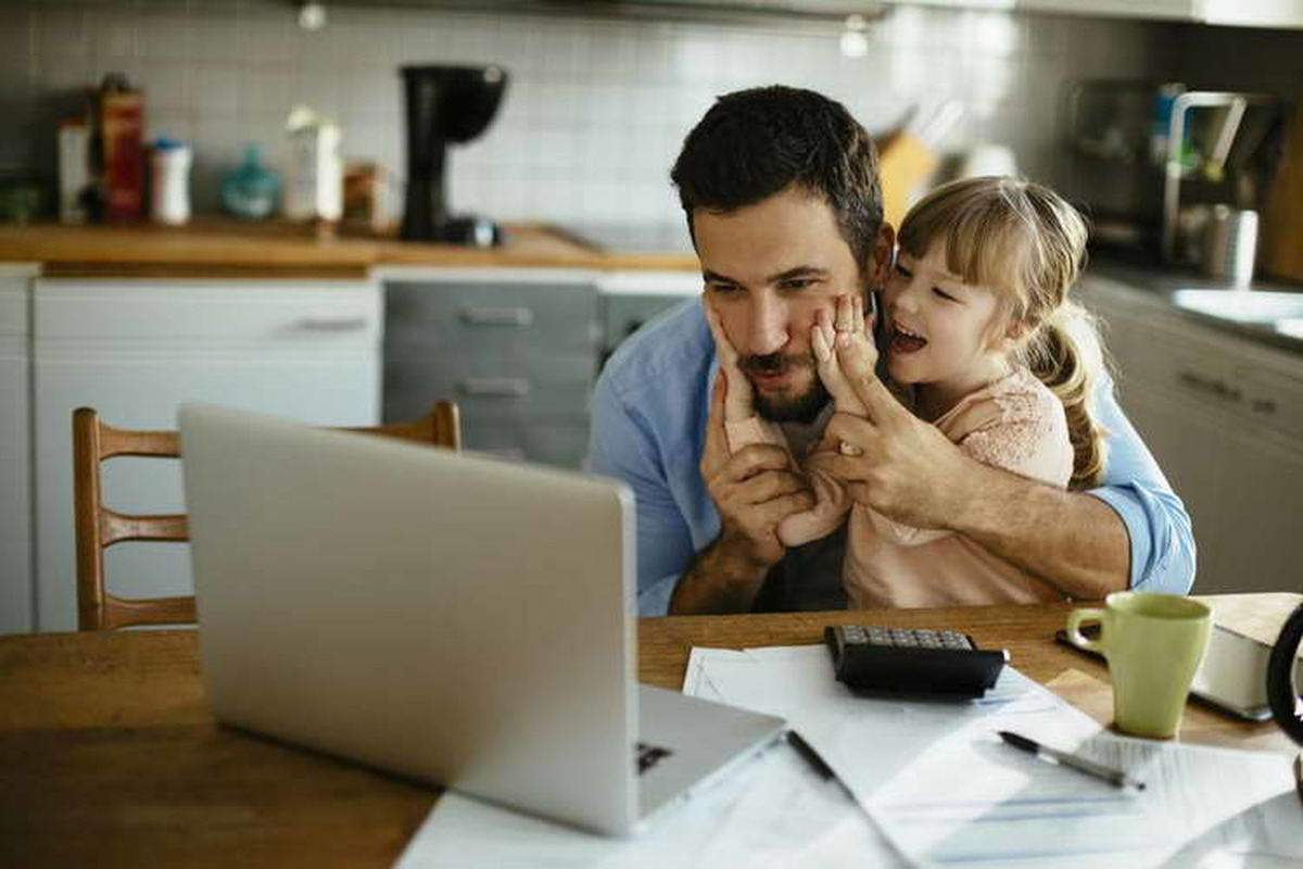پدران شاغل و راههایی برای افزایش زمانی که با خانواده سپری میشود