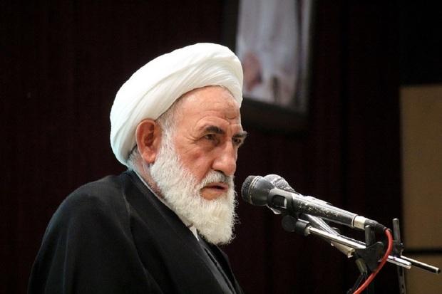 انتقاد امام جمعه کاشان از ساخت آشپزخانه های اپن  |   نوامیس را در معرض دید نامحرم قرار می دهد